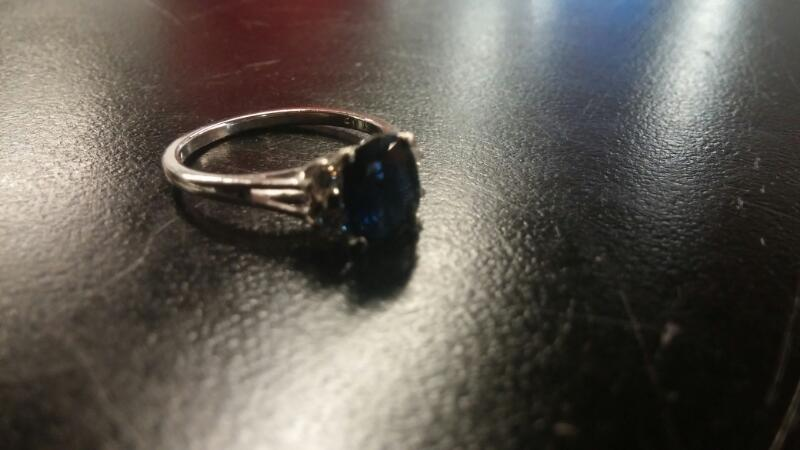 LDS 14KT Synthetic Agate Lady's Stone & Diamond Ring SAPPHIRE