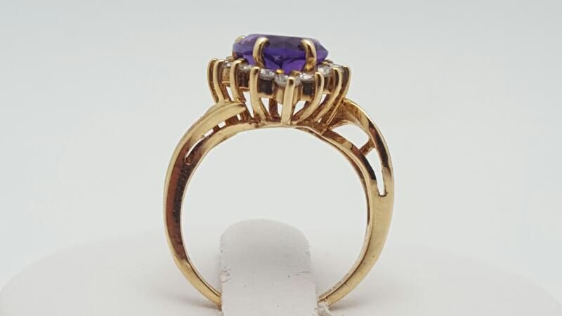 Amethyst Lady's & Diamond Ring 16 Diamonds .16 Carat T.W. 14K Yellow Gold
