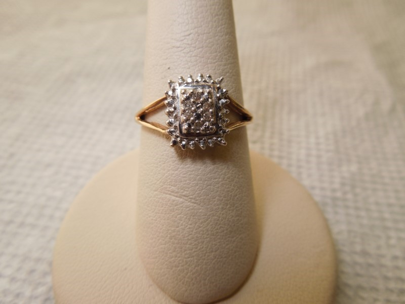 Lady's Diamond Fashion Ring 6 Diamonds .06 Carat T.W. 10K Yellow Gold 2.4g