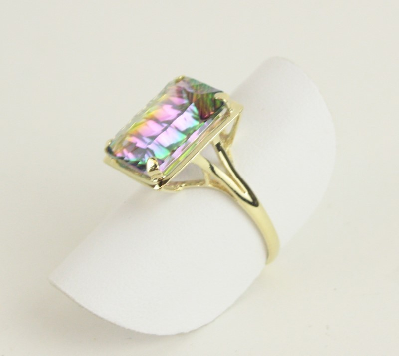 Synthetic Alexandrite Lady's Stone Ring 14K Yellow Gold 3.29g Size:8