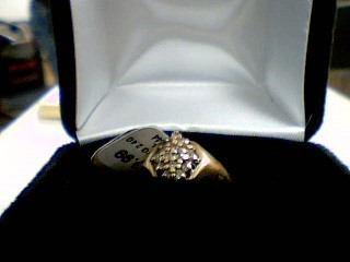 Lady's Diamond Cluster Ring 16 Diamonds .16 Carat T.W. 10K Yellow Gold 2.4g