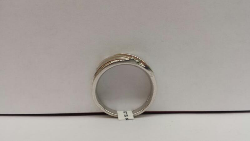 10k  White Gold Ring with 5 Diamonds
