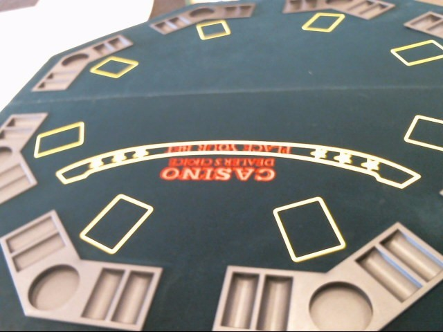 Miscellaneous Toy FOLDING POKER TABLE TOP