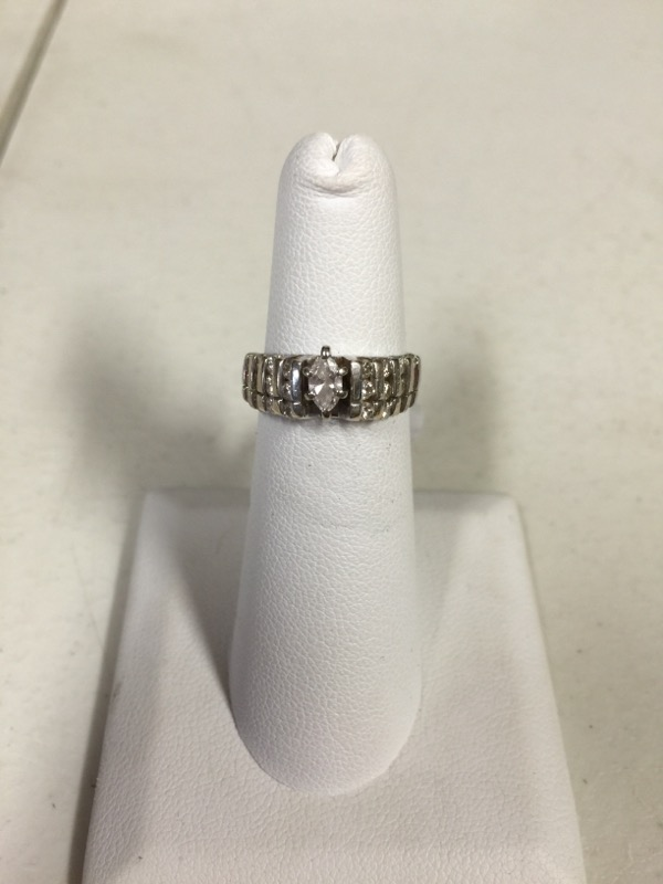 Lady's Diamond Wedding Band 25 Diamonds .87 Carat T.W. 10K White Gold 4.5g