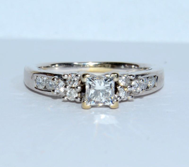 18K White Gold Cathedral Set Princess Cut Diamond Engagement Ring Size: 5.5