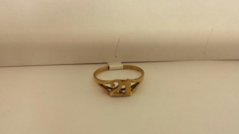 """10k Yellow Gold Ring """"21"""""""