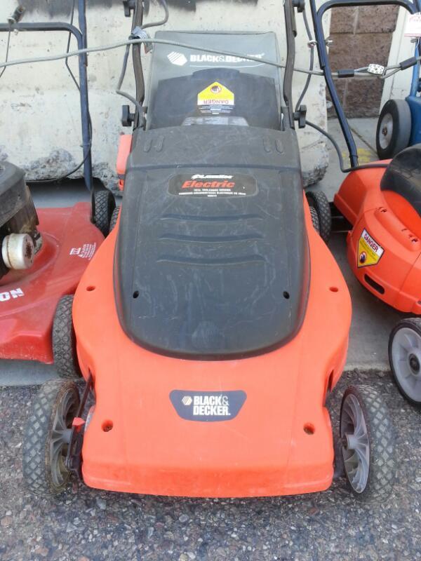 """BLACK & DECKER Lawn Mower MM875 19"""" LAWN HOG"""