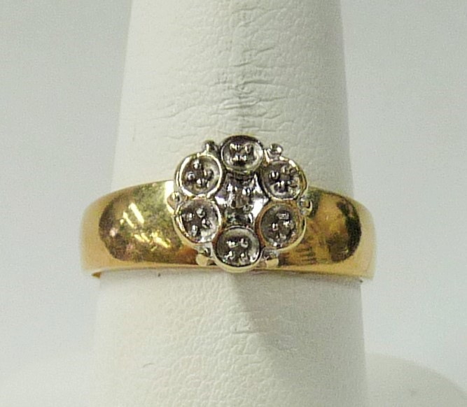 Lady's Gold Ring 10K Yellow Gold 2.17dwt