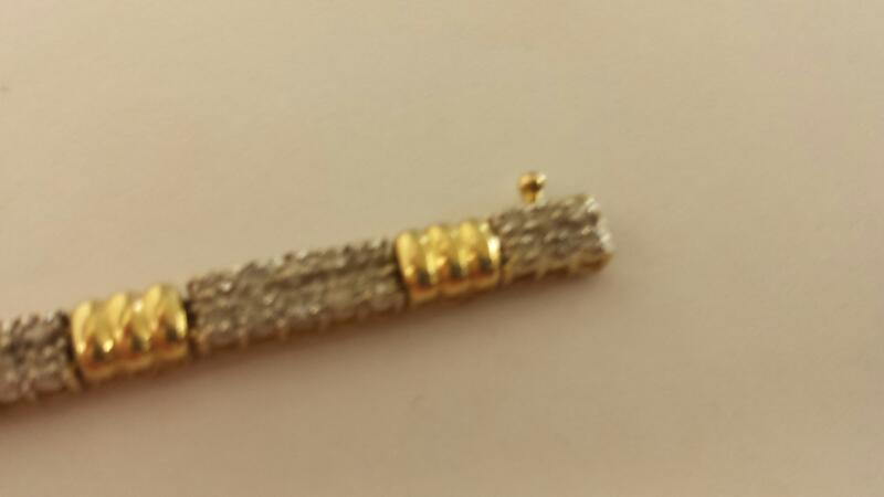 Gold-Diamond Bracelet 102 Diamonds 1.02 Carat T.W. 10K Yellow Gold 7dwt