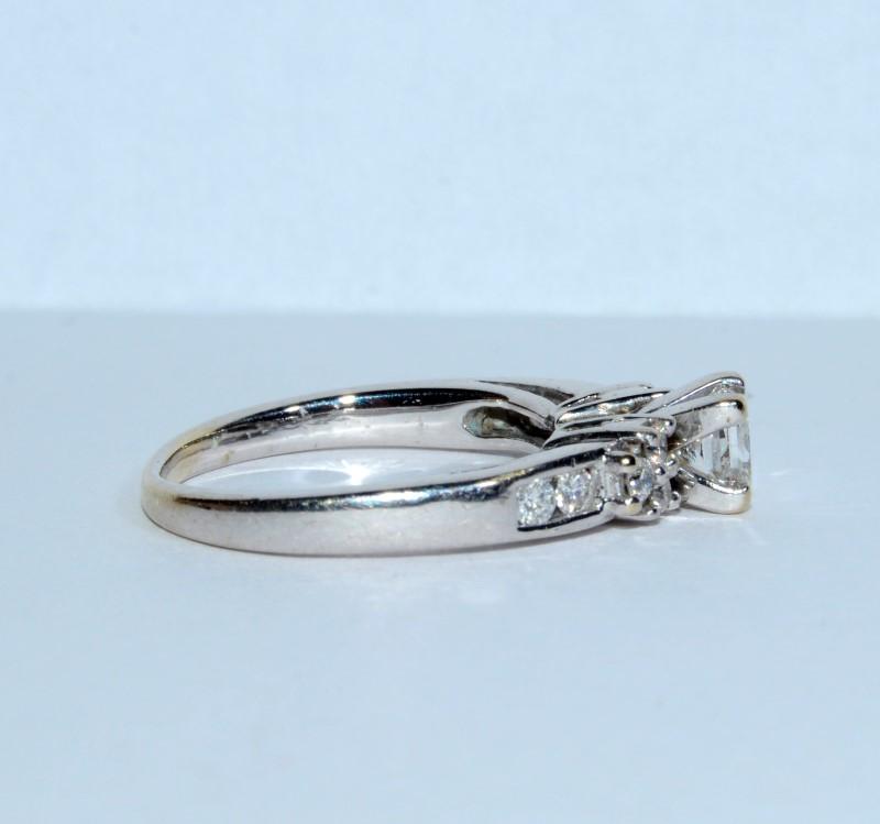 18K White Gold Cathedral Set Princess Cut Diamond Engagement Ring Size: 5.5