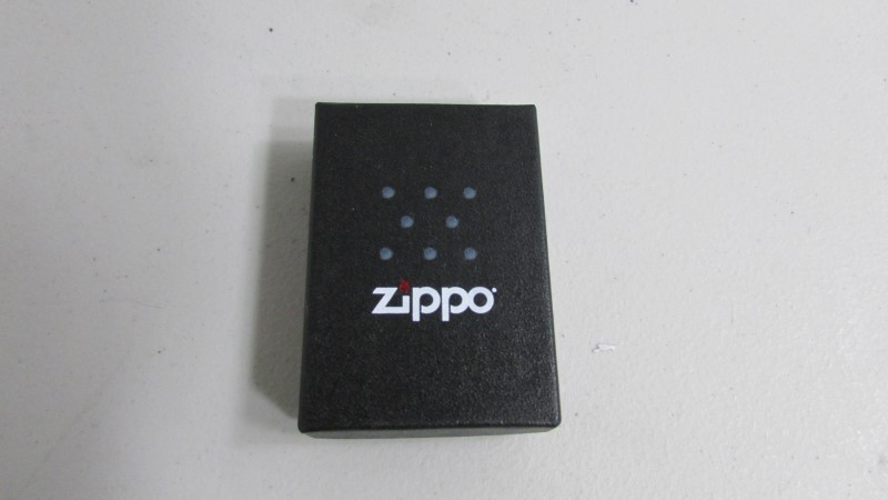 ZIPPO Men's Accessory LIGHTER