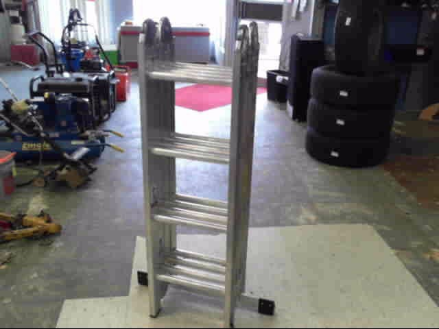 WERNER LADDER Ladder M1-8-16 250 POUND