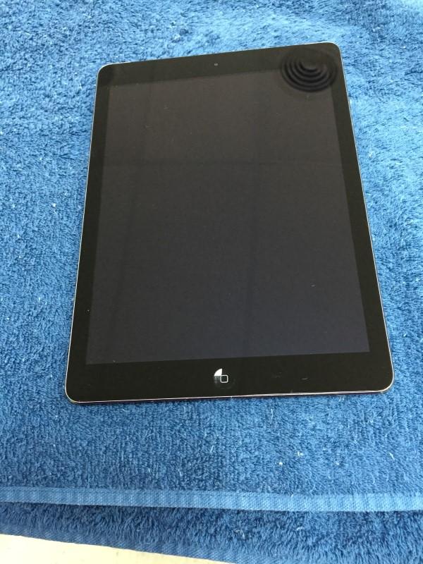 APPLE Tablet IPAD AIR ME993LL/A