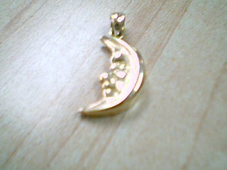Gold Pendant 14K Yellow Gold 2.2g