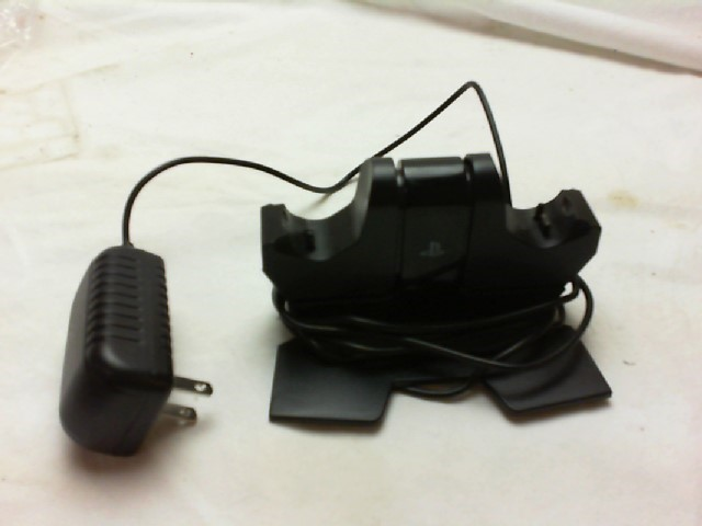 ENERGIZER Video Game Accessory XBOX CONTROLLER CHARGING DOCK