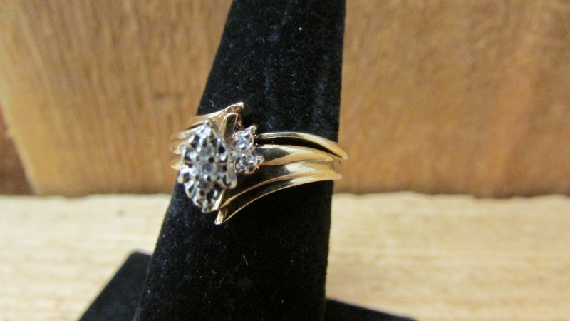 Lady's Diamond Engagement Ring 7 Diamonds .08 Carat T.W. 10K Yellow Gold 3.1g