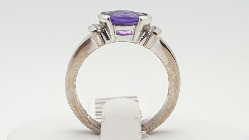 Amethyst Lady's Stone & Diamond Ring 7 Diamonds .14 Carat T.W. 14K White Gold