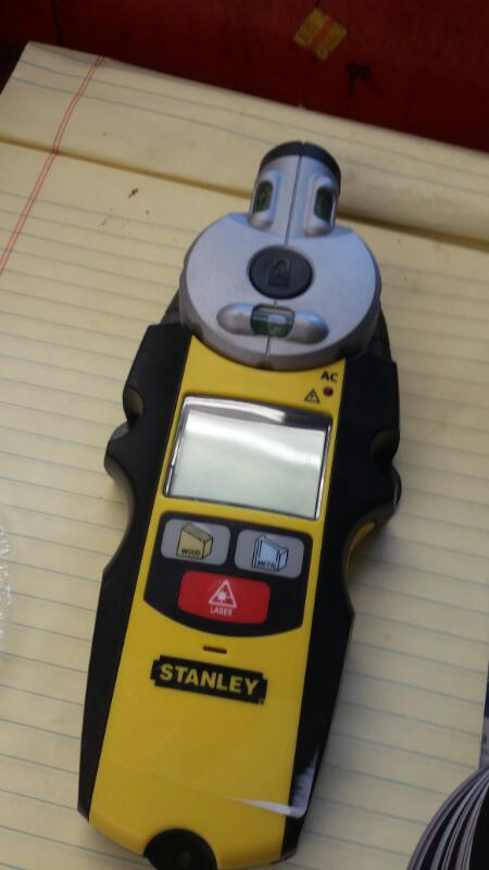 STANLEY 77-260; STUD FINDER WITH MANUAL