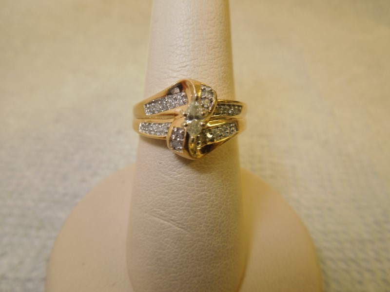 Lady's Diamond Engagement Ring 25 Diamonds .39 Carat T.W. 14K Yellow Gold 4.7g