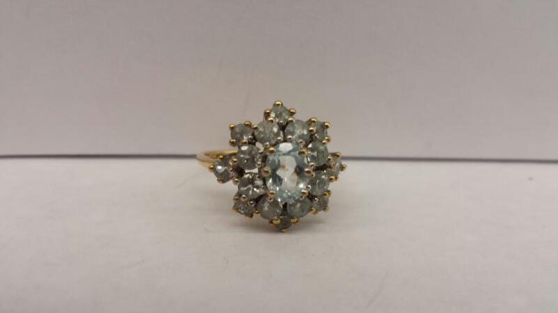 AQUAMARINE White Stone Lady's Stone Ring 10K Yellow Gold 2.3dwt Size:7