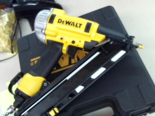 DEWALT Nailer/Stapler DWFP72155