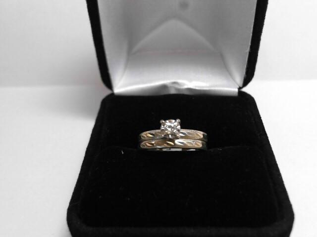 Lady's Diamond Engagement Ring .06 CT. 14K Yellow Gold 2.5dwt