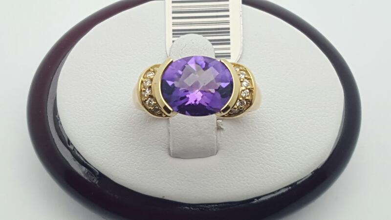 Amethyst Lady's Stone & Diamond Ring 12 Diamonds .12 Carat T.W. 14K Yellow Gold