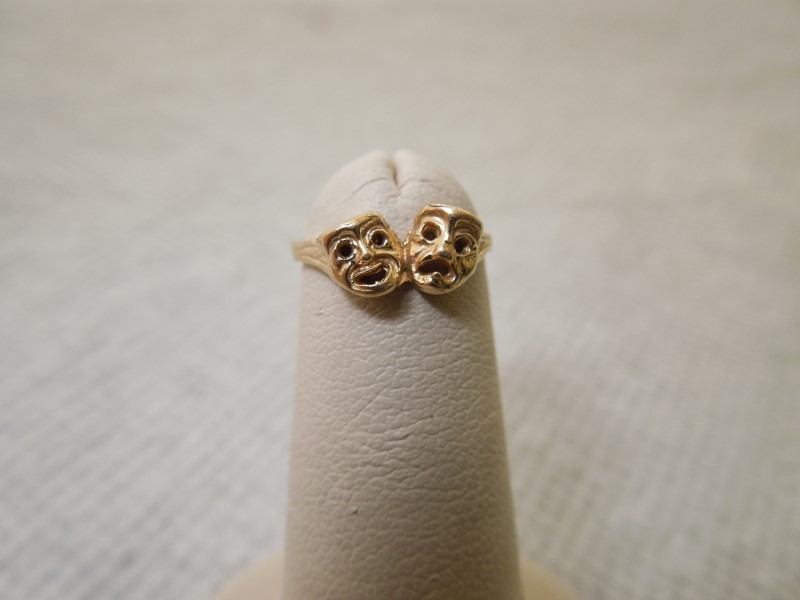 Lady's Gold Ring 14K Yellow Gold 1g Size:2
