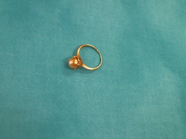 Synthetic Pearl Lady's Stone Ring 14K Yellow Gold 1.2dwt