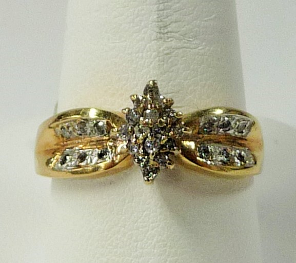 Lady's Diamond Cluster Ring 28 Diamonds .84 Carat T.W. 10K Yellow Gold 2.02dwt
