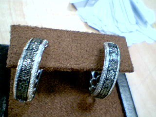 Silver-Diamond Earrings 9 Diamonds 0.09 Carat T.W. 925 Silver 0.25g