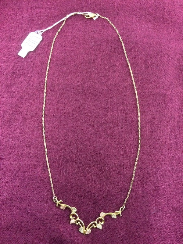 NECKLACE JEWELRY JEWELRY BLACK HILLS GOLD, 10KT, 4.00 DWT; BLACK HILLS V-SHAPED