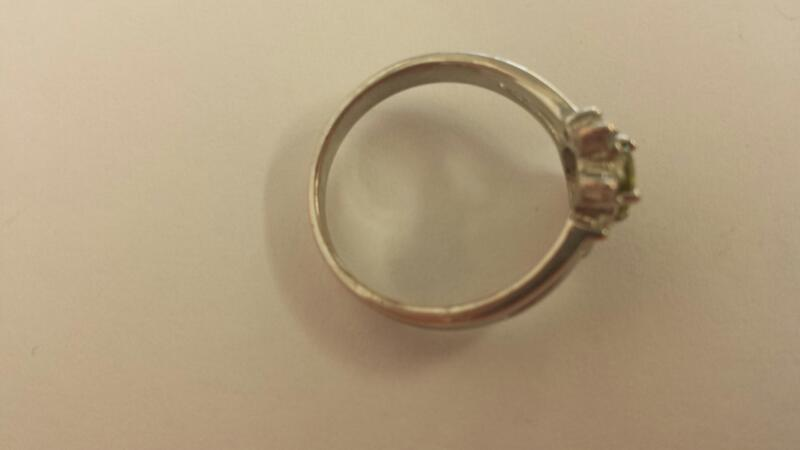 Green Stone Lady's Stone & Diamond Ring 4 Diamonds .04 Carat T.W.