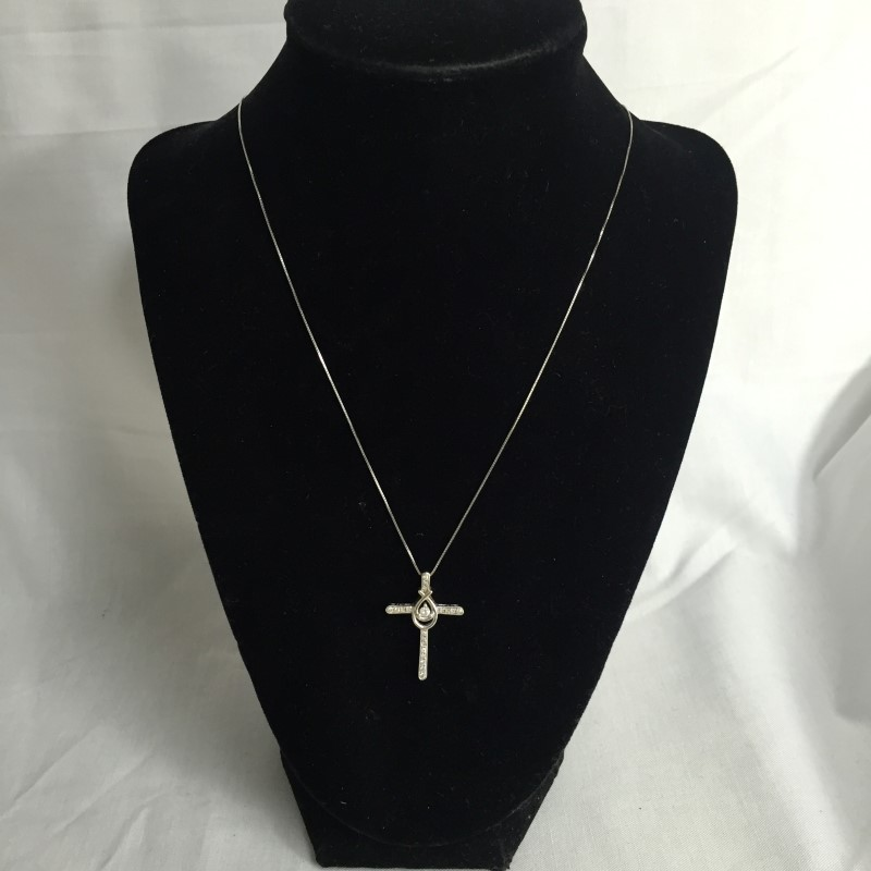 "18"" Diamond Necklace .10 CT. 10K White Gold 2dwt"