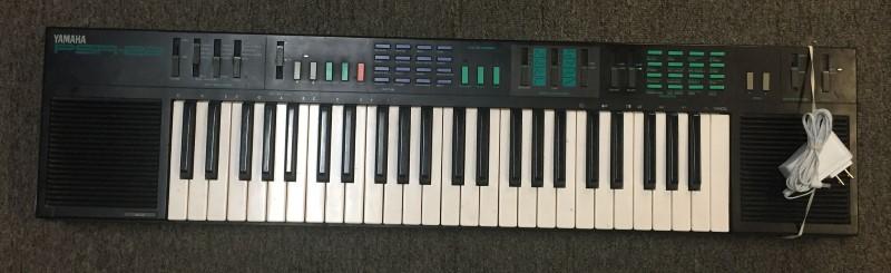 Yamaha PSR-22 Digital Synthesizer Electronic Keyboard