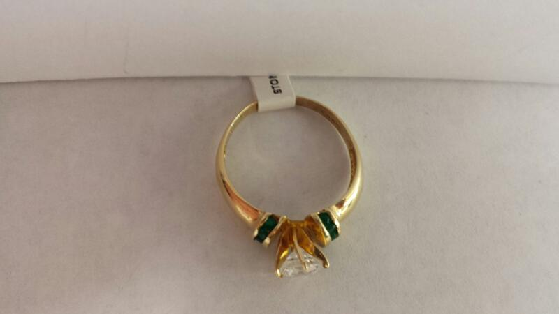 10k Yellow Gold Ring with 1 Clear Stone and 10 Green Stones