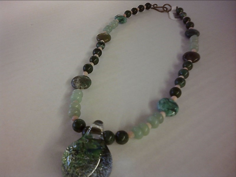 NECKLACE JEWELRY JEWELRY; JADE MALACHITE ROSE QUARTZ BEADED NECKLAE WITH GLASS B