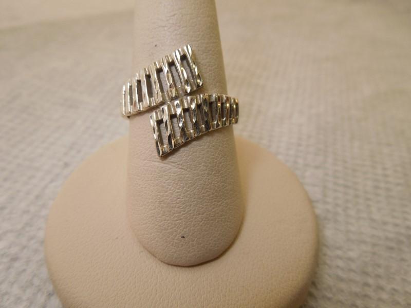 Lady's Gold Ring 14K White Gold 4.8g Size:7
