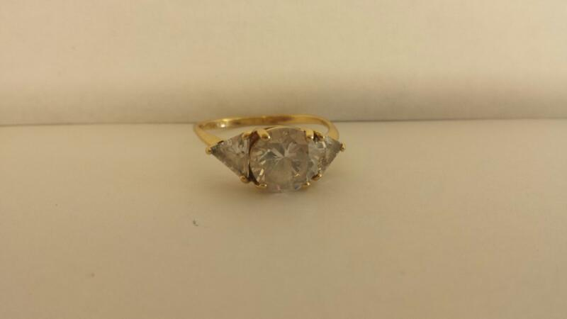 White Stone Lady's Stone Ring 14K Yellow Gold 1.6dwt Size:6.5