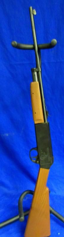 CROSMAN 788 BB GUN