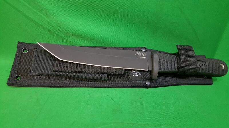 SOG Hunting Knife TSUNAMI