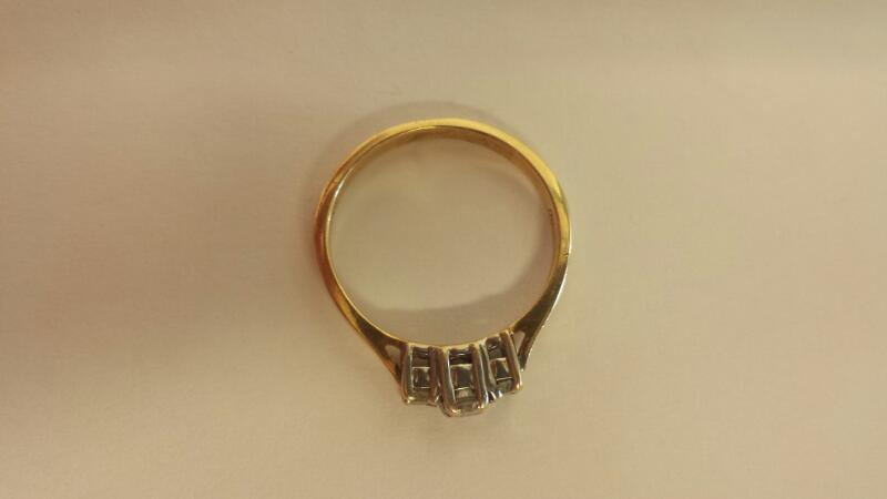 Lds 14K-YG 3 Dia. Anniversary Ring 21 Cttw Size 6.5