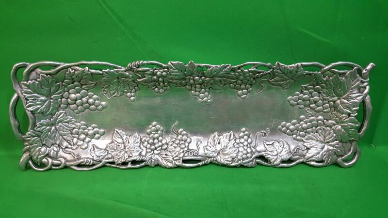 "AArthur Court Tray Platter Grapes Ivy w/Handles 19"" x 5 3/4"""
