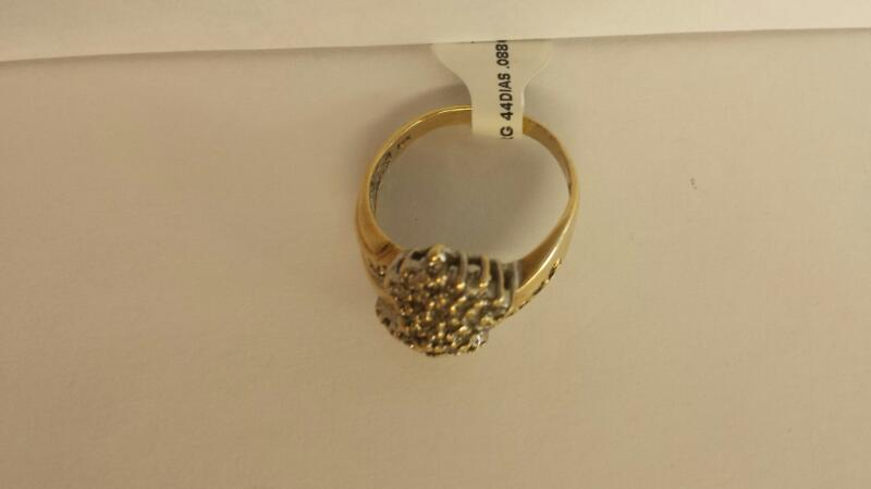 10k Yellow Gold Ring with 44 Diamond Chips