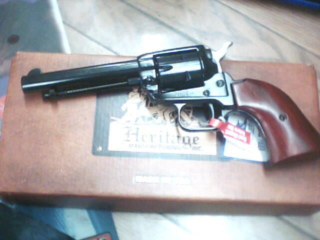 HERITAGE FIREARMS Revolver RR22B4