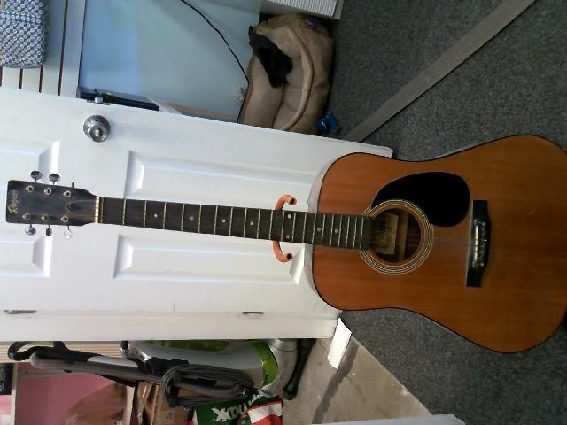 STRAD-O-LIN Acoustic Guitar A784
