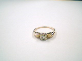 Lady's Diamond Engagement Ring .06 CT. 14K 2 Tone Gold 1.6g Size:6.5