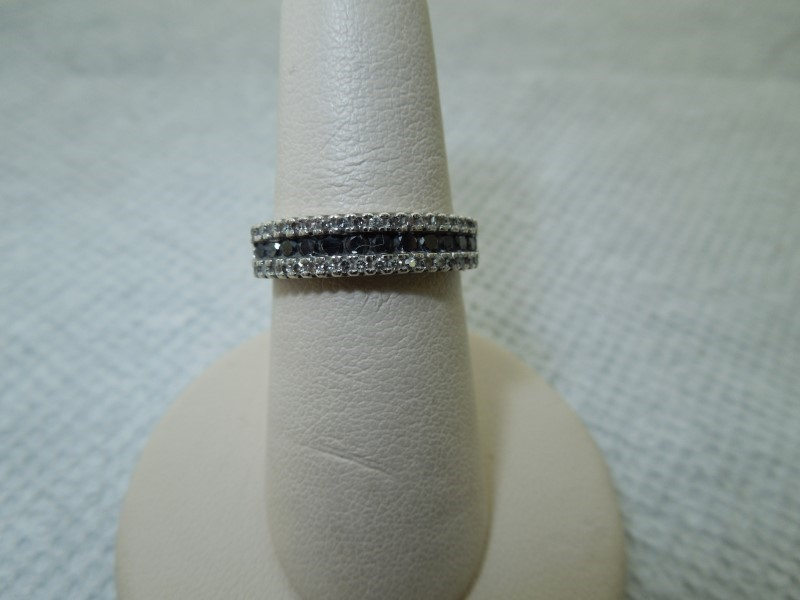 Black Stone Lady's Stone & Diamond Ring 36 Diamonds .180 Carat T.W.