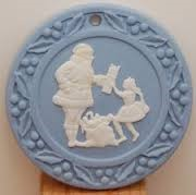 WEDGEWOOD Collectible Plate/Figurine CHRISTMAS ORNAMENT SANTA & GIRL