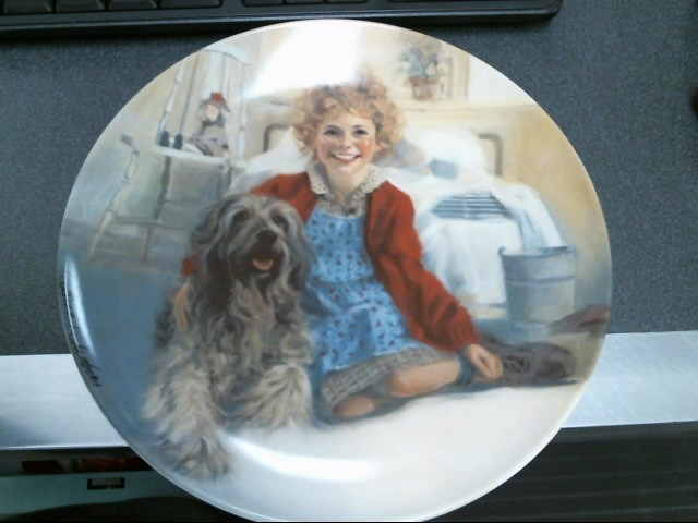 BRADFORD EXCHANGE Collectible Plate/Figurine ANNIE AND SANDY